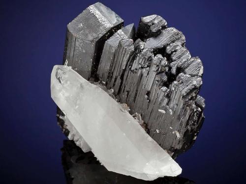 Mineral Hubnerite, significado das pedras