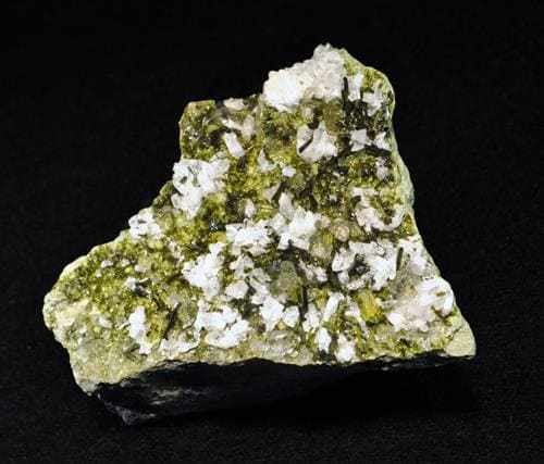 Caracteristicas da pedra Epidota