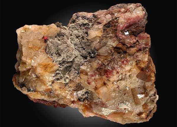 Colomelano Características das pedras preciosas