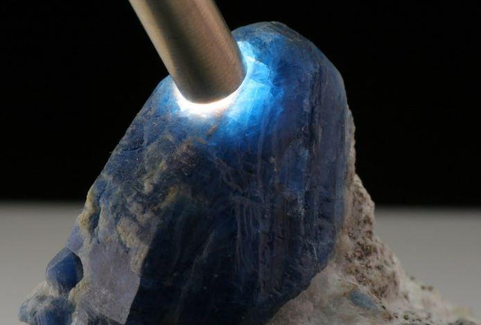 significado das Pedra Afganita